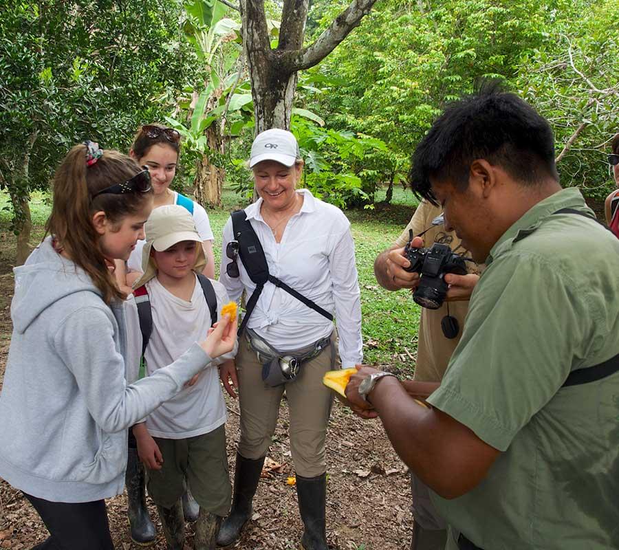 aa-manu-expert-naturalists-2.jpg