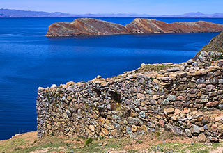 bolivia-titicaca-description-01.jpg