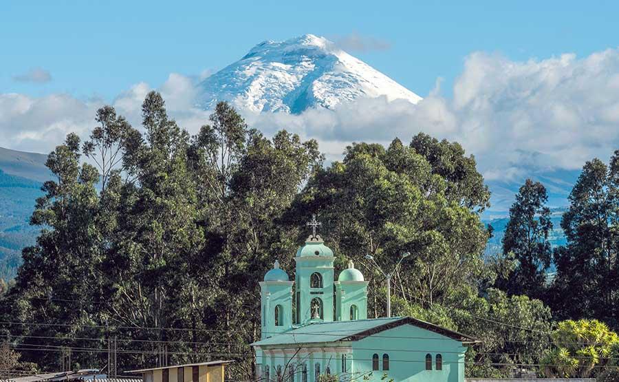 destination-ecuador-cotopaxi-volcano.jpg