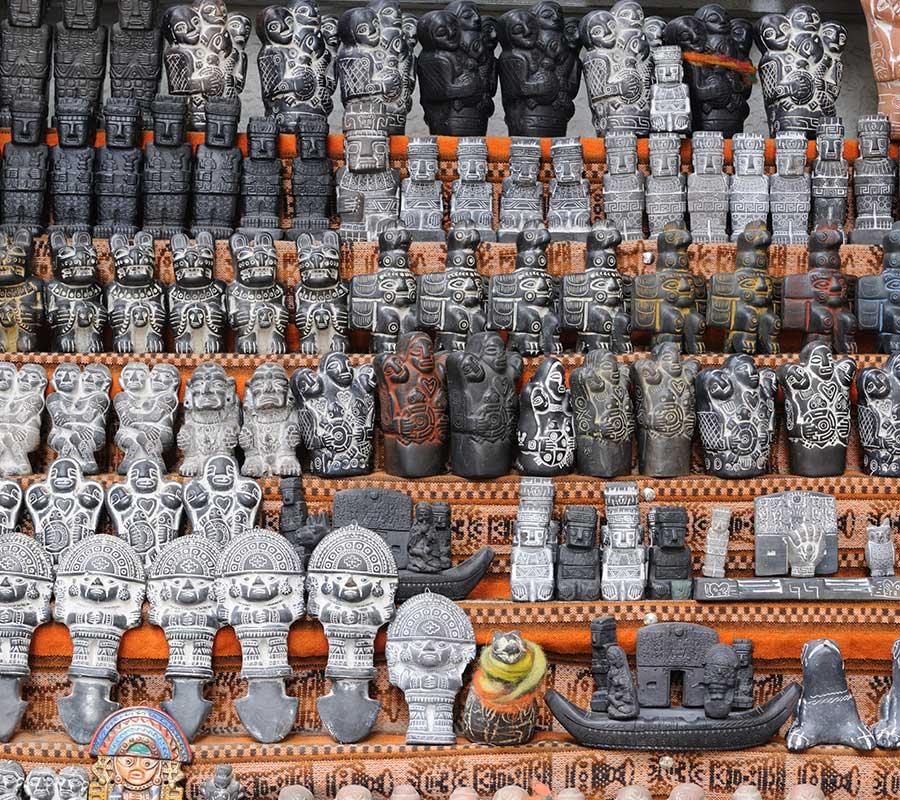 faa-la-paz-witches-market.jpg