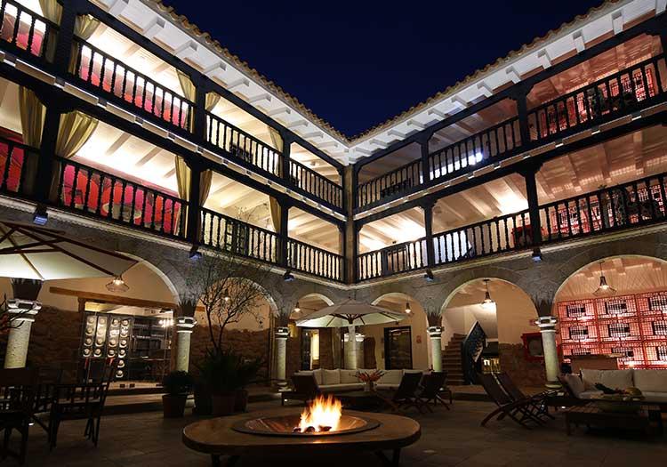 featured2-accommodation-cusco-el-mercado-tunqui.jpg