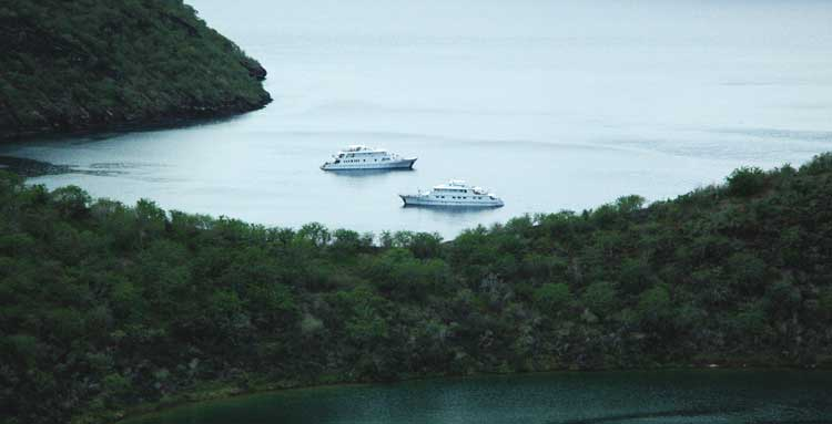 featured-go-galapagos-luxury-cruise-ships-coral-i-coral-ii.jpg