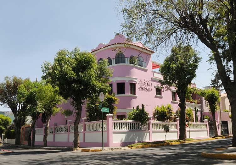 featured2-accommodation-arequipa-casa-arequipa.jpg