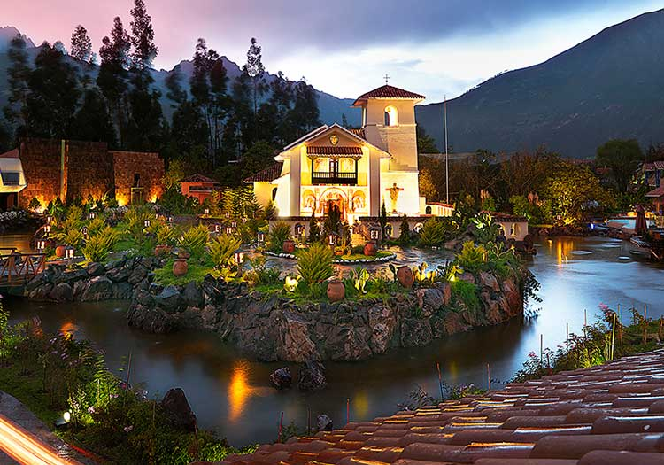 featured2-accommodation-sacred-valley-aranwa.jpg