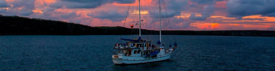 luxury-galapagos-cruises.jpg