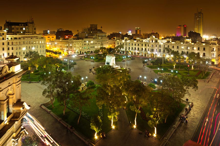 kuoda-blog-lima-main-square-night.jpg