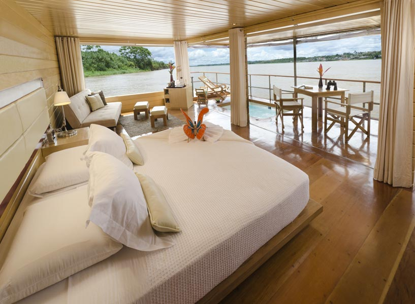gallery-amazon-cruise-delfin-i-deluxe-master-suite-3.jpg