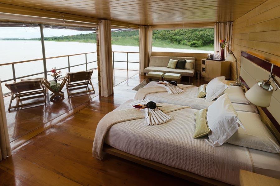 gallery-amazon-cruise-delfin-i-master-suite-1.jpg