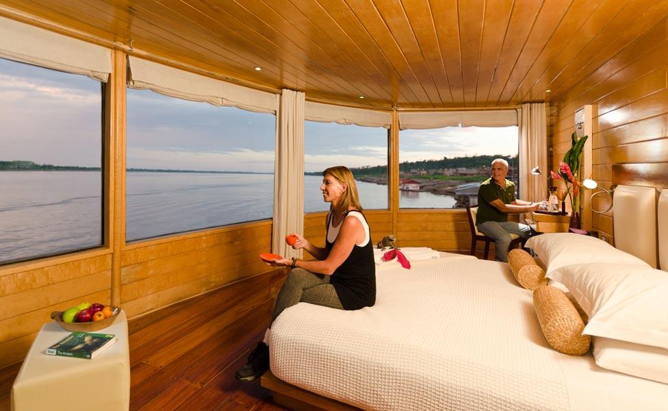gallery-amazon-cruise-delfin-ii-master-suite.jpg