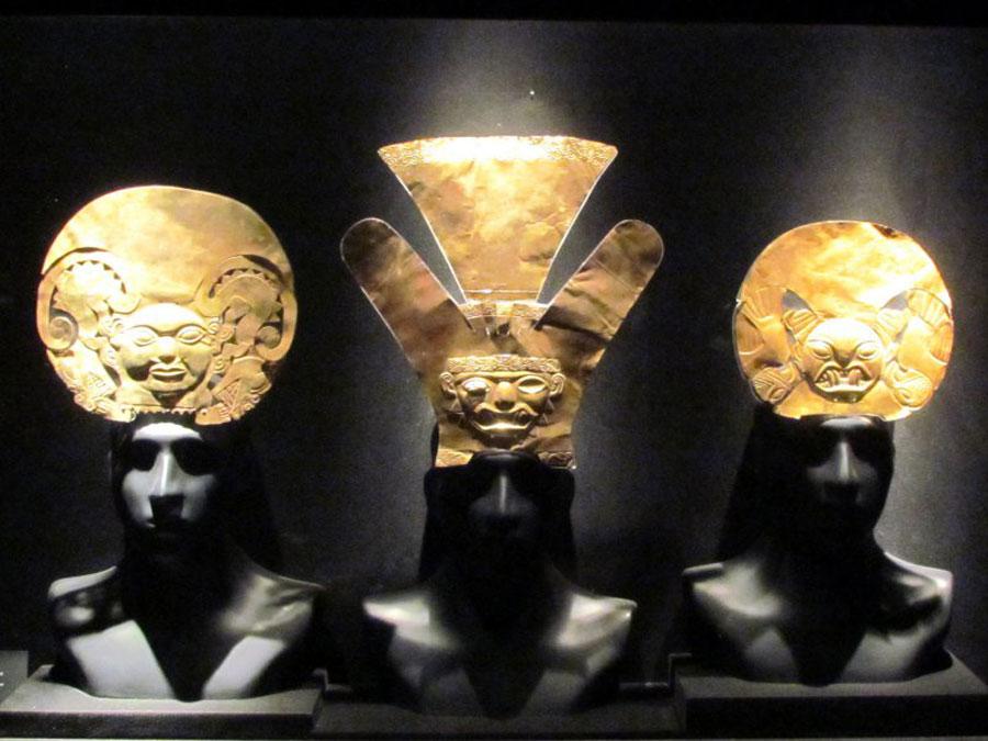 kuoda-blog-gold-display-larco-museum-lima.jpg