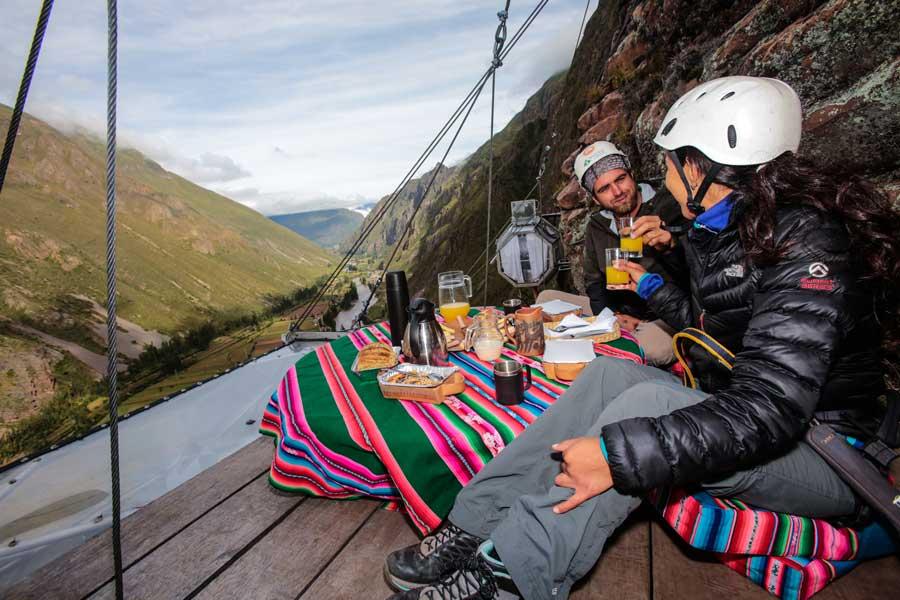 skylodge-adventure-suites-breakfast.jpg
