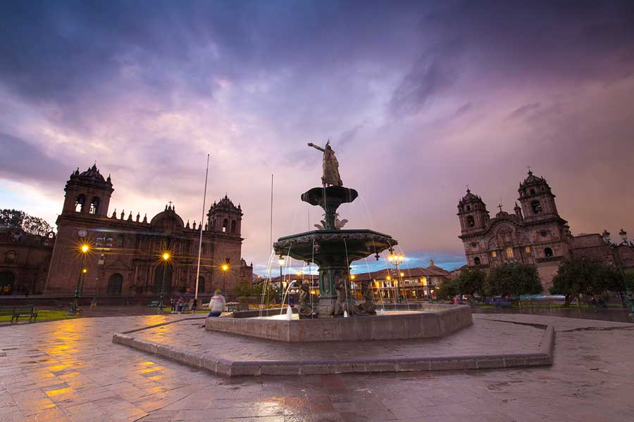 kuoda-blog-explore-cusco-hidden-gems-main-square-plaza-de-armas.jpg