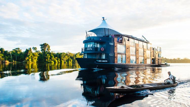 private-tours-new-cruising-amazon-river