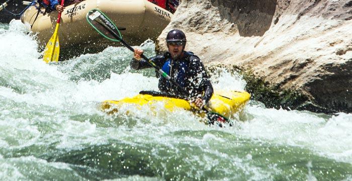 kayaking-urubamba
