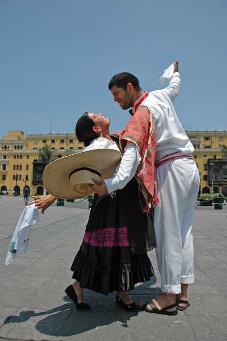 kuoda-blog-marinera-marinera-peru-national-dance