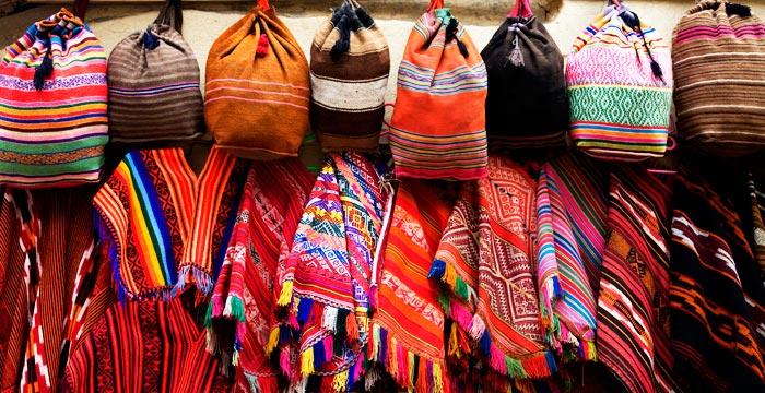 weaving-peru