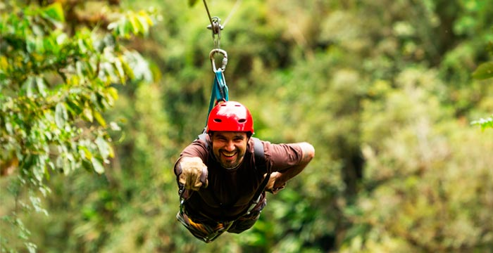 zip-lining-sacred-valley