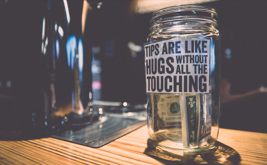 kuoda-blog-art-tipping-bargaining-peru-featured.jpg