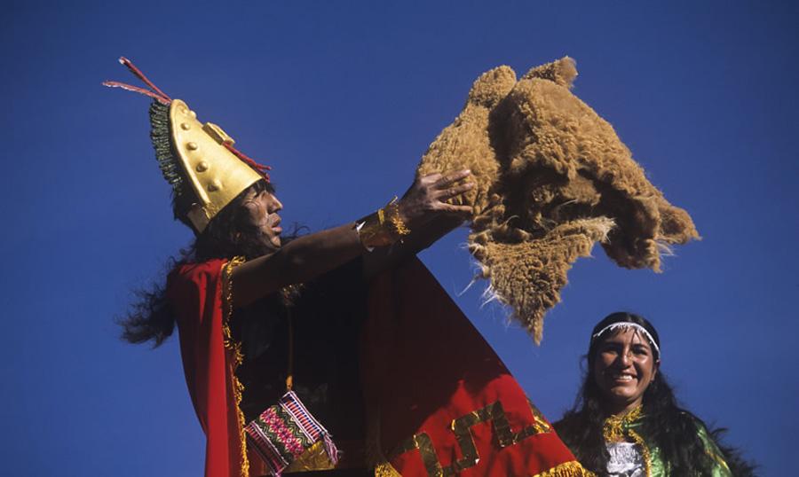 kuoda-blog-chaccu-ritual-protect-vicuna.jpg