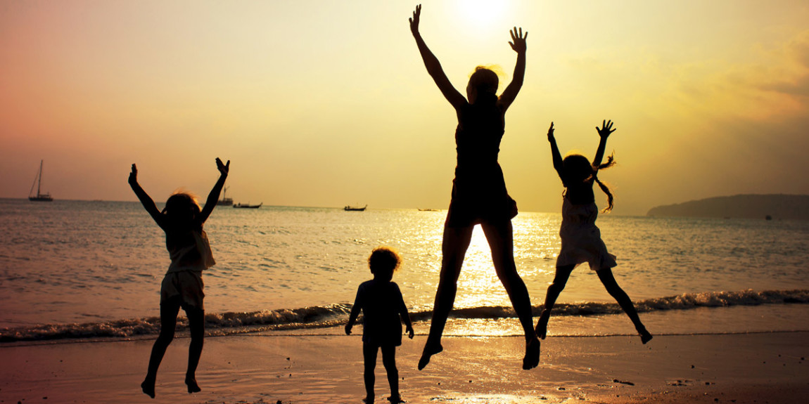 fa-family-friendly-activities-beaches.jpg