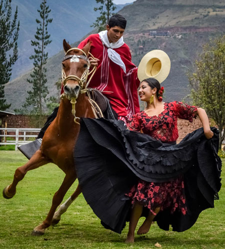 kuoda-blog-insider-access-part-3-paso-horse-marinera-dance-peru