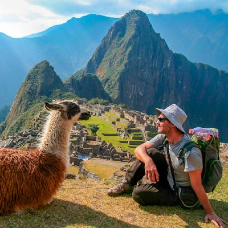 What is the correct way to spell Machu Picchu?
