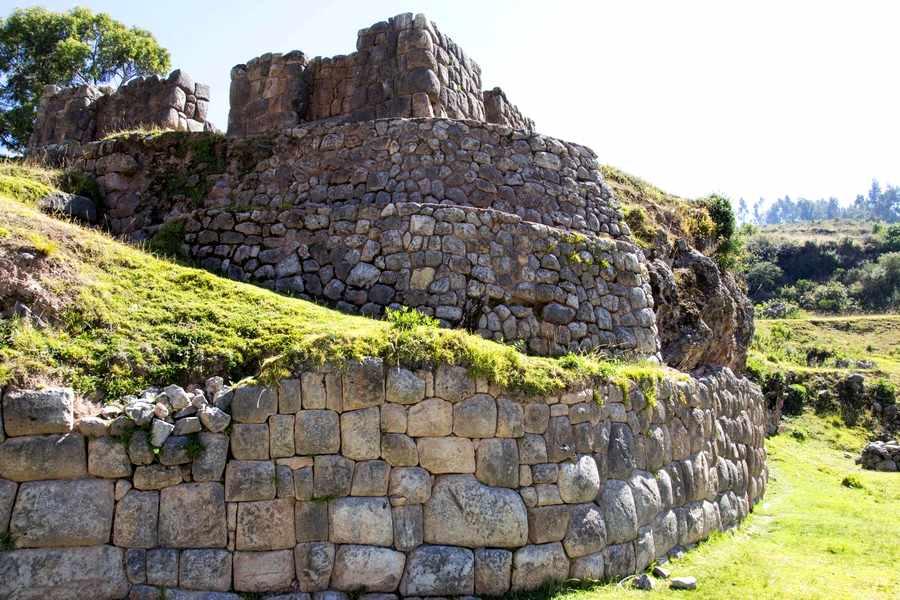 Cuscos-Sacred-Huacas-Rumihuasi
