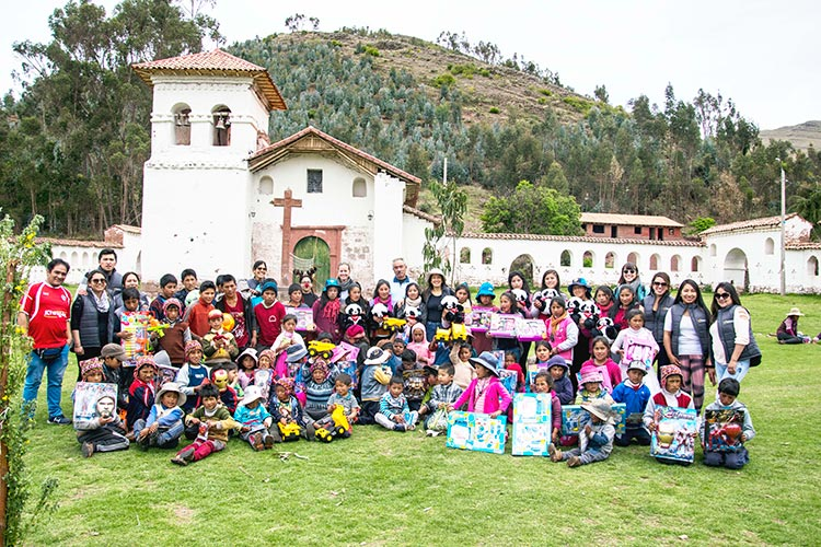Celebrate Christmas Peru Kuoda