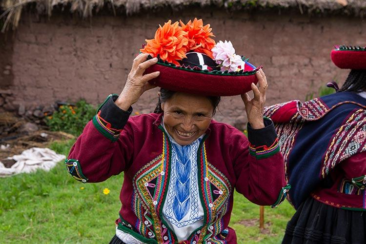 Peruvian andean women - montera