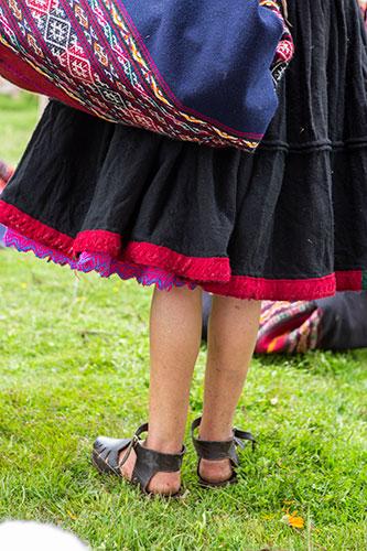 Peruvian andean women ojotas