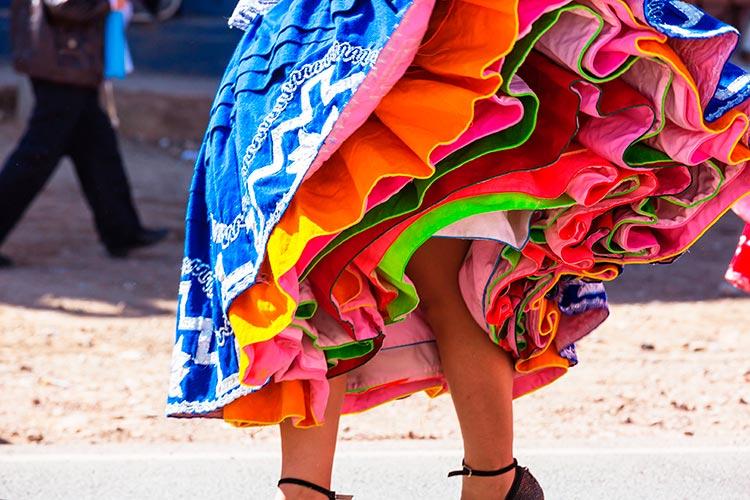 Peruvian andean women polleras