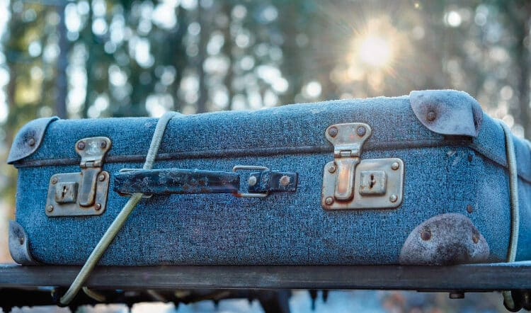 How to Clean and Disinfect your Suitcase